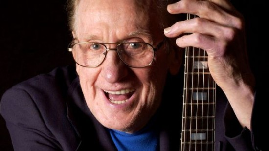 les-paul-guitarist